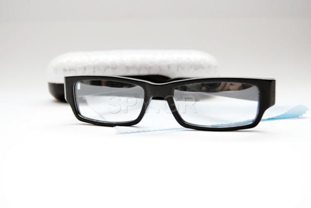 Bluetooth δέκτης για μίκροακουστικά μέσα σε γυαλιά