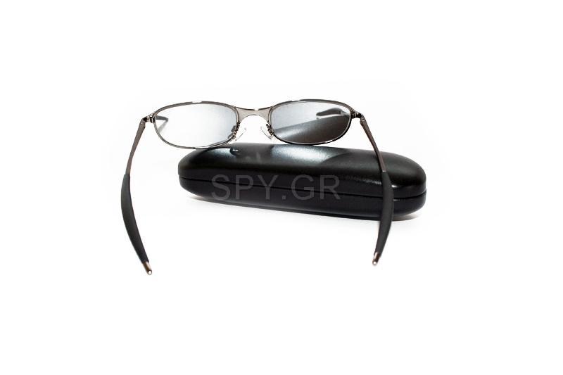 Γυαλιά ηλίου με αναδρομική εικόνα